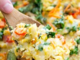 طريقة عمل وتحضير بيض بالجبنه والخضار