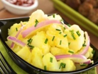 طريقة عمل وتحضير سلطة البطاطس بالليمون