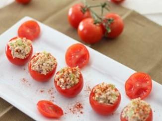 طريقة عمل وتحضير طماطم محشية بسلطة التونة