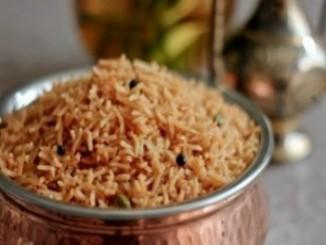 طريقة عمل أرز بجوزة الطيب والقرفة