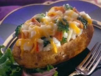 طريقة عمل وتحضير بطاطس محشية بالجبنة والدجاج