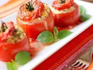 طريقة عمل وتحضير طماطم محشية بالجبن والبيض
