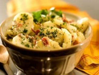 طريقة عمل وتحضير سلطة البطاطس بالخضار